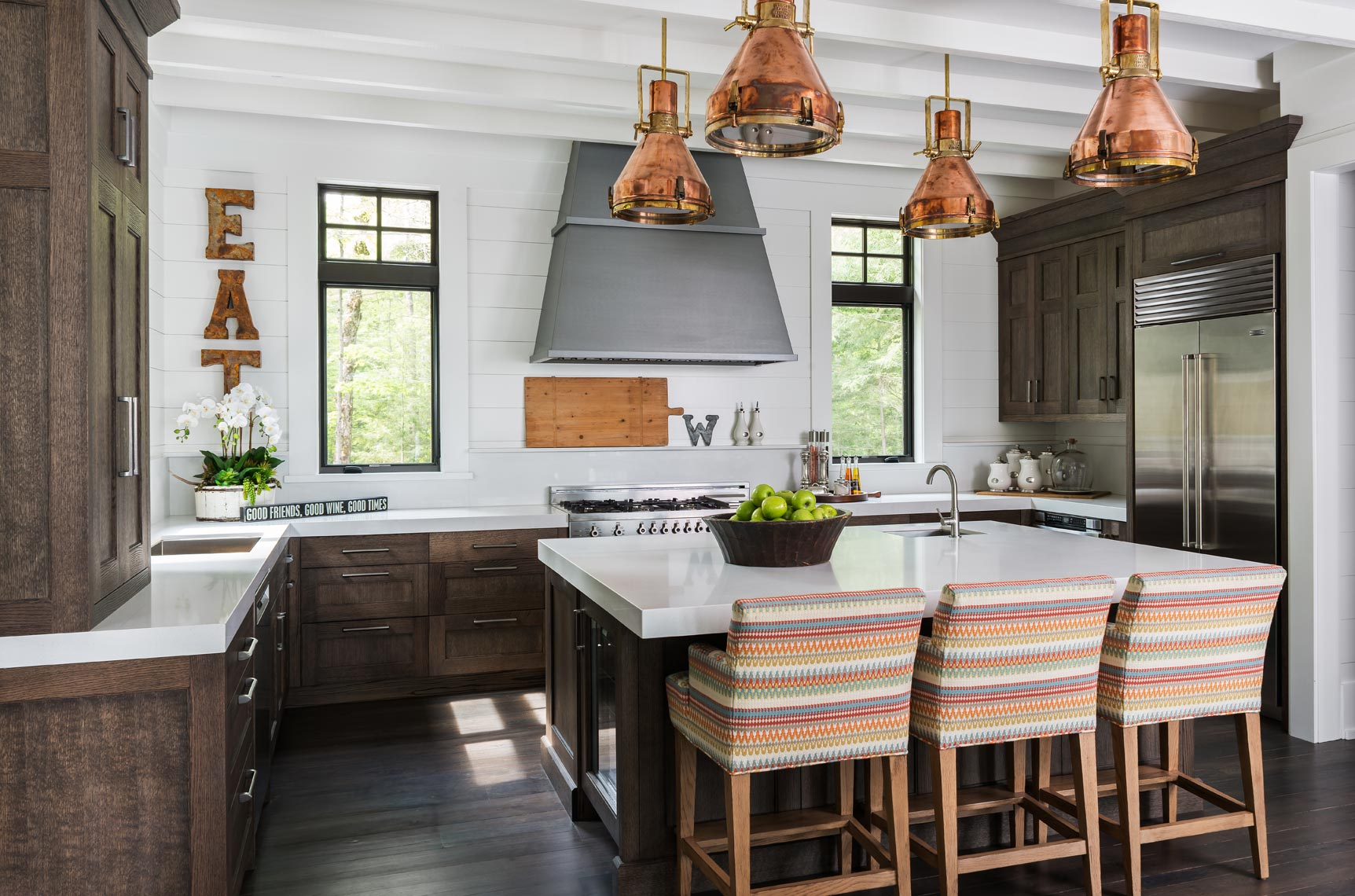 Muskoka Cottage kitchen - Tuvalu Home