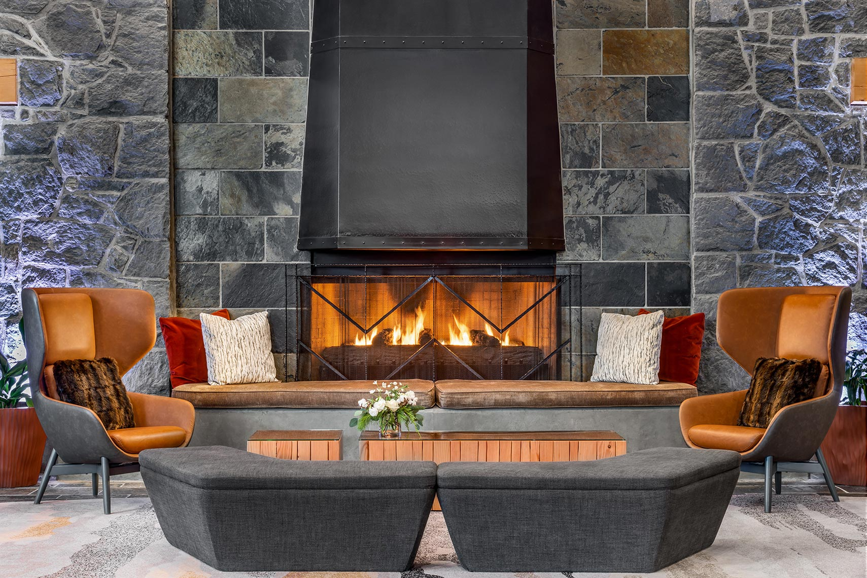 Westin_Whistlersm-004_WES_YSEWI_Fireplace