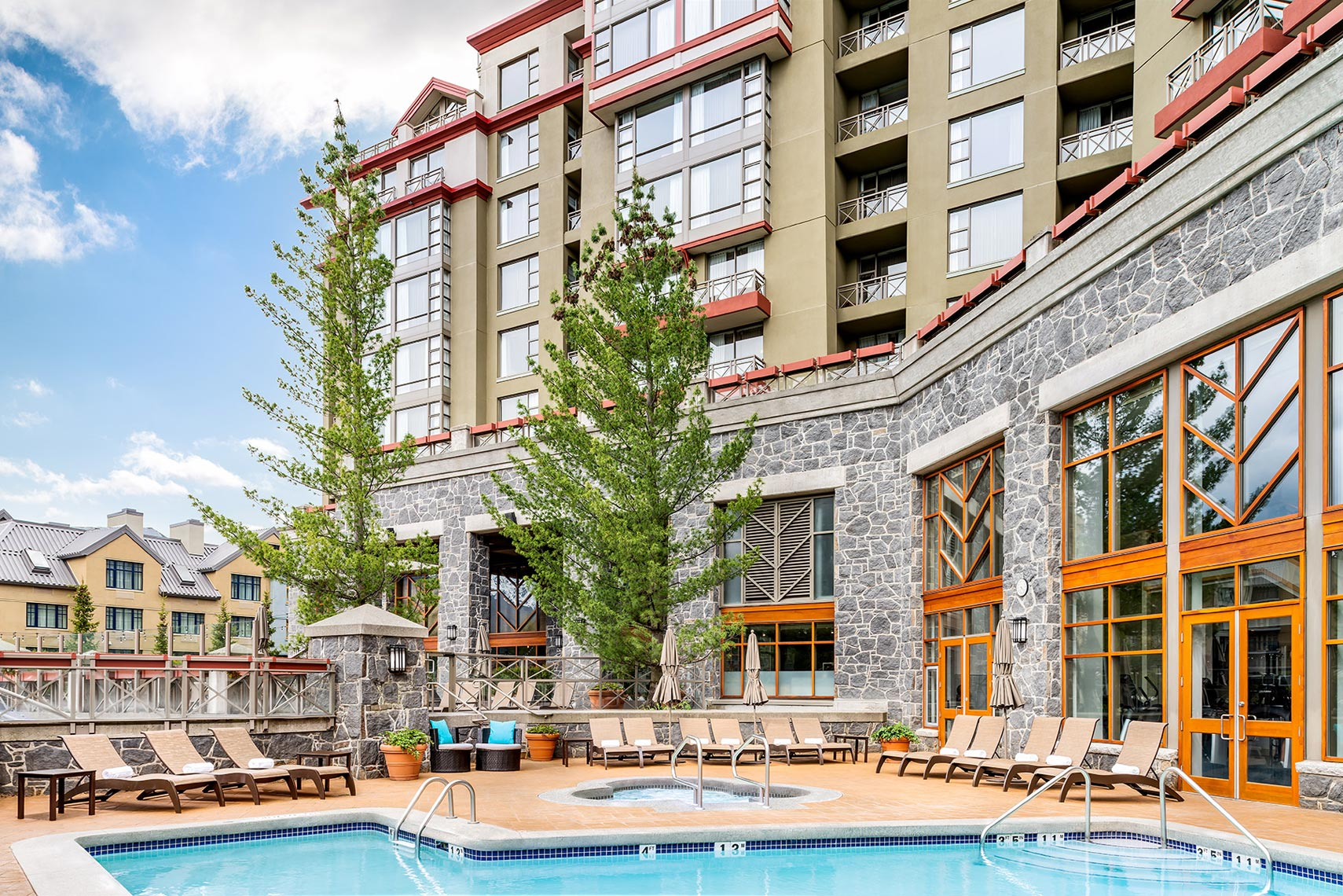 sm-010-R1_Outdoor_Pool_Westin_Whistler